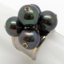 14K TWO TONE GOLD FRESHWATER PEARL AND SAPPHIRE RING - 12.2 GR - SZ 7 1/2