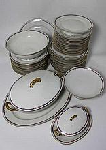 LIMOGES - Au lions de faïence : Service en porcela