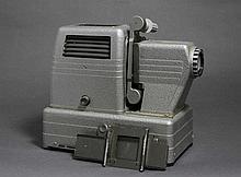Projecteur SFOM 431 Diapos / film, avec passe-film