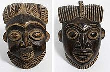 Deux masques africains, Cameroun, circa 1950, H. 34 cm