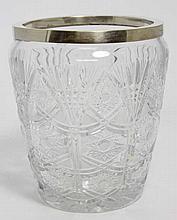 Vase en cristal de Bohême taillé, H. 23 cm, D. 19 cm