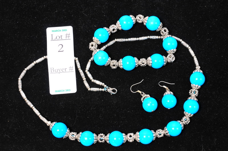Turquoise set with necklace, bracelet, earrings and silver connectors