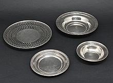 Lot of Sterling Silver: 3 Bowls and 1 Tray, 21.5 ozt
