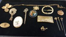 Lot of early 20thC Costume Jewelry, brooches, pins