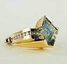 Ladies Aquamarine and Diamond ring