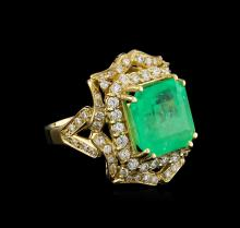 GIA Cert 9.16 ctw Emerald and Diamond Ring - 14KT Yellow Gold