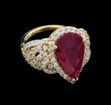 5.50ct Ruby and Diamond Ring - 14KT Yellow Gold
