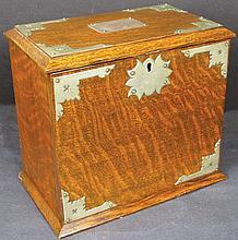 Portable Oak Cigar Humidor