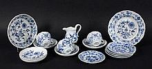A LOT OF 16 PARTS MEISSEN BLUE AND WHITE ONION PATTERN