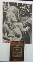 2009 UD PROMINENT CUTS HOLLYWOOD HISTORY GRETA GARBO DRESS SWATCH NICE