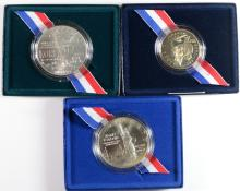 COMMEMS BOX/COA: WWII 1993 PROOF HALF; 1986 STATUE OF LIBERTY BU SILVER DOLLAR,