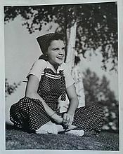 JUDY GARLAND AS A CHILD PHOTO.
