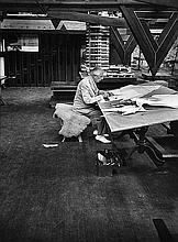 FRANK LLOYD WRIGHT AT TALIESIN EAST WISCONSIN 1957  BILL RAY SIGNED SILVER GELATIN PRINT.