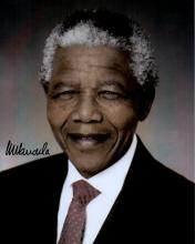 NELSON MANDELA SIGNED PHOTO.
