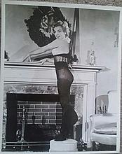 MARILYN MONROE AT CHRISTMAS. 1950'S VINTAGE STILL.