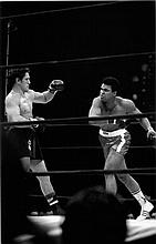 ALI/BONAVENA AT MSG 1970 BILL RAY SIGNED PRINT. 20x24 INCHES. FRAMED.