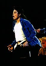 PROFESSIONAL SET OF MICHAEL JACKSON BAD WEMBLEY PHOTOS