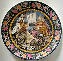 WEDGEWOOD - THE LEGEND OF KING ARTHUR EIGHT ISSUE COLLECTORS PLATE.