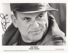 Joe Pesci‏ signed photo.