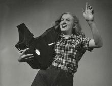 JOSEPH JASGUR: MARILYN MONROE WITH THE GRAFLEX CAMERA 1946