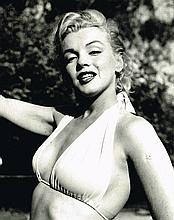MARILYN MONROE BLACK AND WHITE PHOTO.