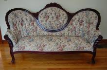 Victorian style Love Seat