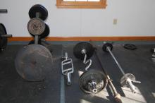 4 Barbells, Weights, Rack System