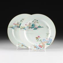 A PAIR OF LARGE CHINESE FAMILLE ROSE PORCELAIN CHARGERS, 19TH CENTURY,