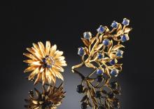 A 14K SAPPHIRE TREE AND FLOWER LADY'S BROOCHES,