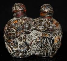 VINTAGE CHINESE CARVED AMBER SNUFF BOTTLE