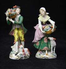 PAIR OF EARLY 20TH CENTURY PORCELAIN FIGURES