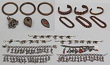 Group of (19) costume jewelry items