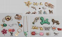 Group of (30+) costume jewelry