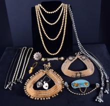 Vintage Pearls, Collars, Sweater Guards Plus
