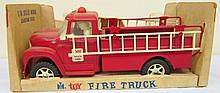 ERTL - Fire Truck