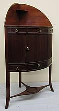 19th Century Federal Washstand