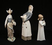 Grouping of three Lladro figurines