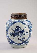 A Chinese blue and white jar, Qing Dynasty, 19th