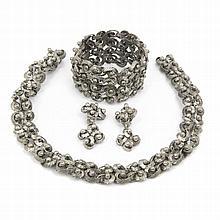 ADEREZO EN METAL collar, pulsera y pendientes.