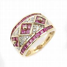 GOLD RING WITH RUBYS AND BRILLANTS