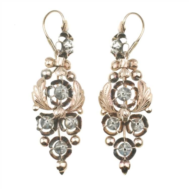ELIZABETHAN EARRINGS, END OF 19TH CENTURY