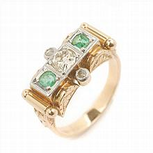 GOLD CHEVALIER RING WITH EMERALDS AND DIAMONDS, CIRCA 1940,