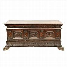 CATALAN CHEST IN CARVED WALNUTWOOD WHIT MARQUETRY.XVIII CENTURY.