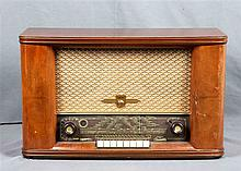 Old PHILIPS table radio, from the early 20th Century, in a wood box. Dimens