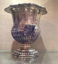 A 19TH CENTURY SILVER PLATED CHAMPAGNE ICE BUCKET