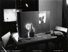 CUMMING, ROBERT (1943- )
