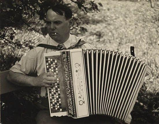 KERTÉSZ, ANDRÉ (1894-1985) Pierre Mac Orlan, Paris.