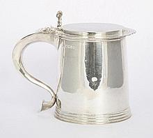 A silver tankard, by William Comyns & Sons Ltd,