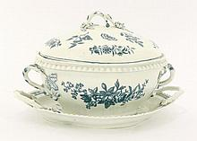 A Worcester blue and white Tureen, Cover and