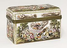 A Capodimonte-style porcelain Casket,